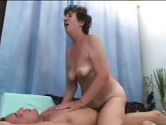 Craving Granny Enjoys Good Penetration 2